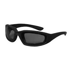 Černé sluneční brýle